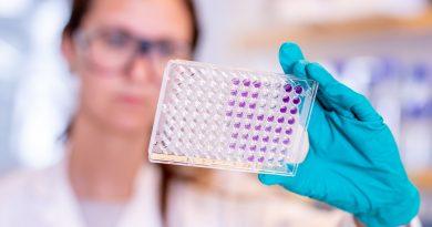 astrazeneca researcher covid-19 vaccine